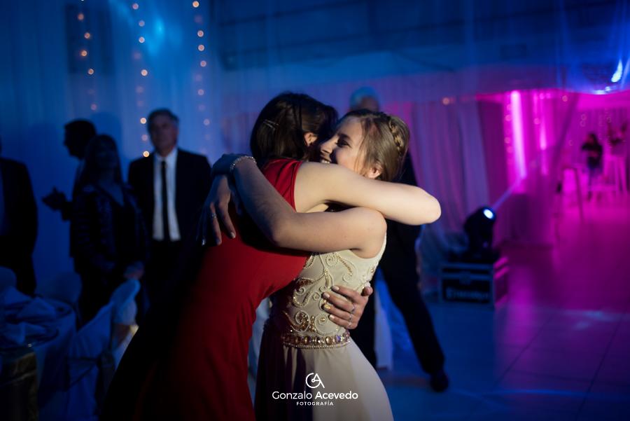 Pau book de 15 fiesta baile entrada abrazos fifteens emoción sonrisas ideas geniales originales #gonzaloacevedofotografia gonzalo acevedo