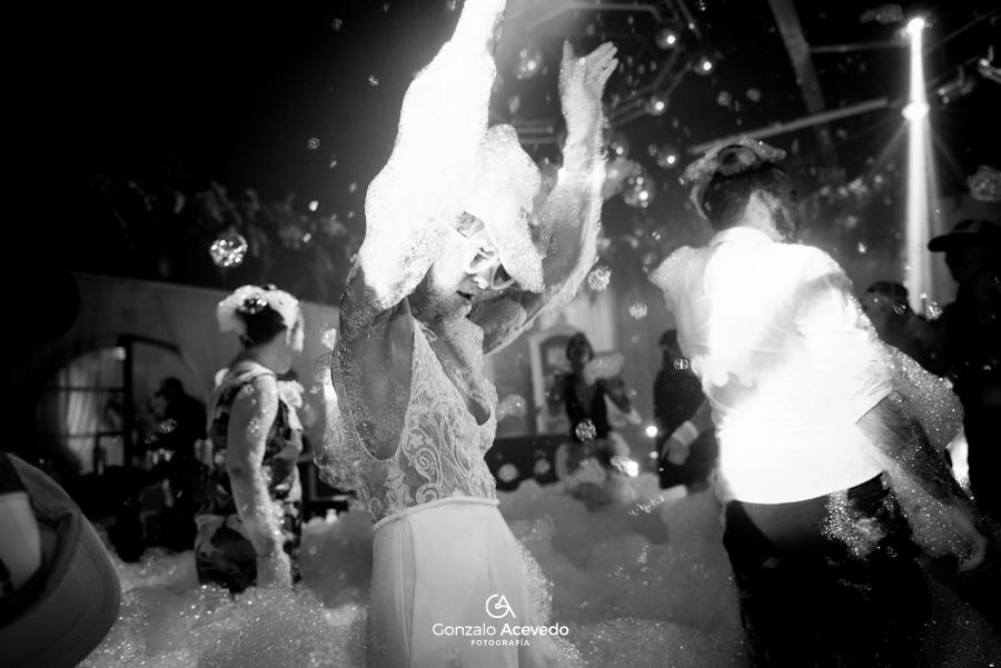 Caro y Ale boda amor baile espuma love casamiento emoción ideas originales #gonzaloacevedofotografia gonzalo acevedo