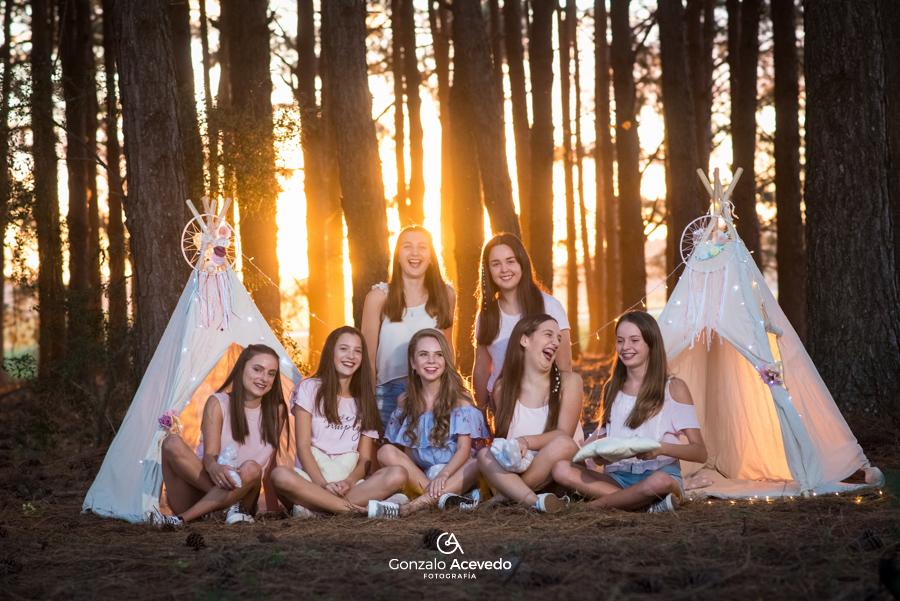 Angie Book de 15 con amigas campo y atardecer original diferente Gonzalo Acevedo #gonzaloacevedofotografia