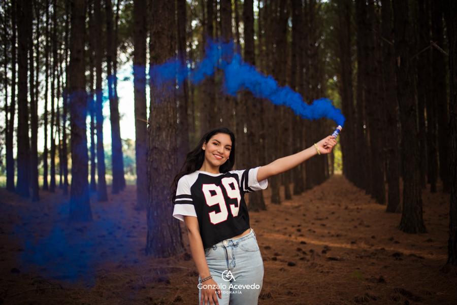 Book de campo con bengalas de humo Gonzalo Acevedo