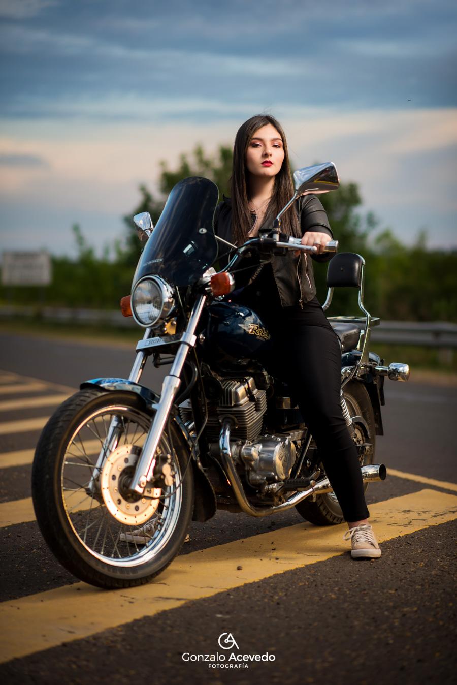 Book urbano con moto unico y diferente Gonzalo Acevedo #gonzaloacevedofotografia