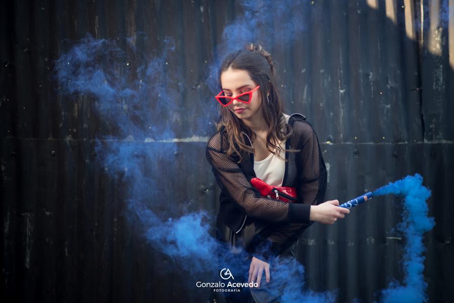 book de 15 con bengalas de humo colorido Gonzalo Acevedo