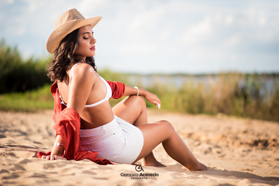 book de verano maya bikini en la playa Gonzalo Acevedo