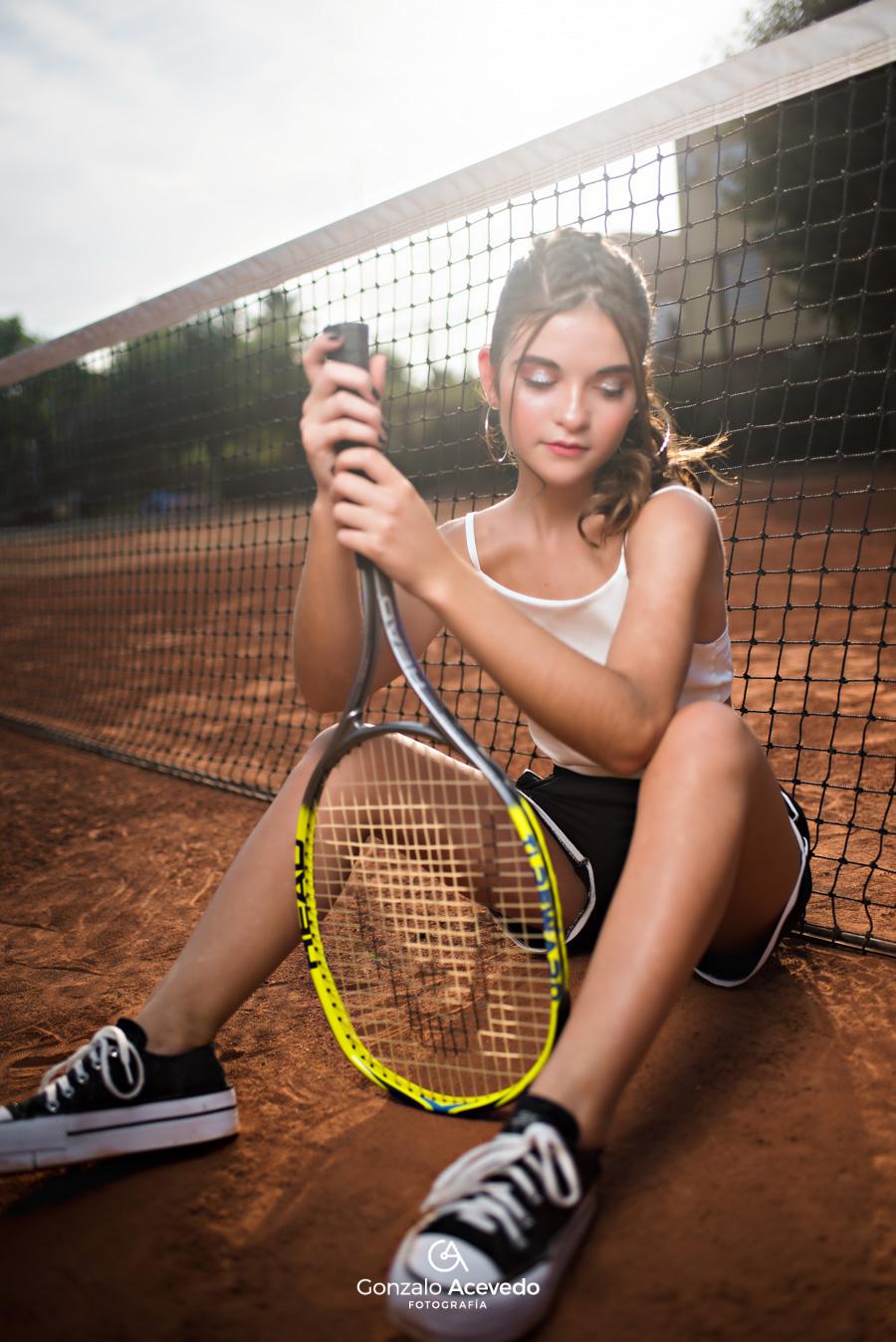 Book urbano en cancha de tenis Gonzalo Acevedo