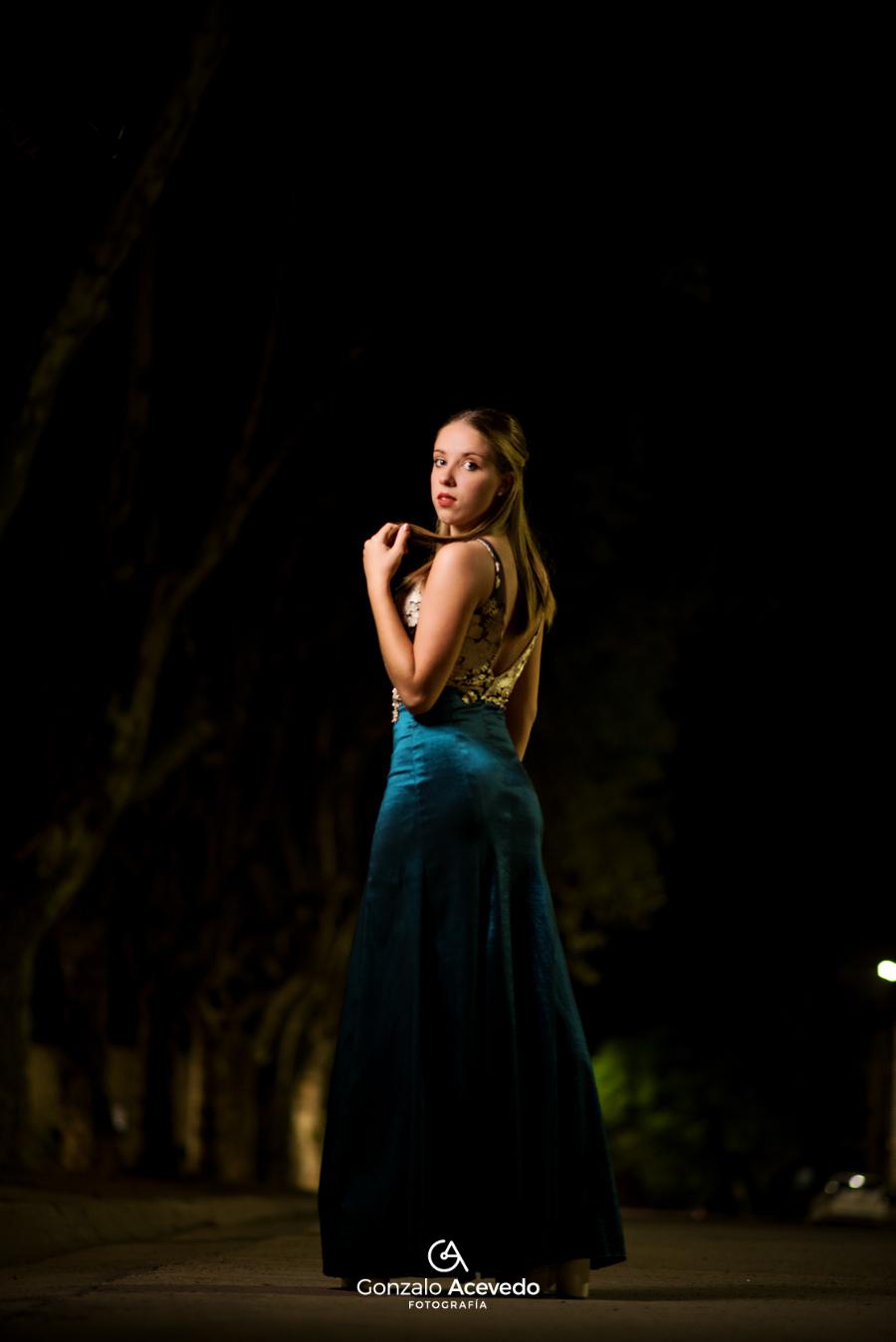 book urbano nocturno noche con luces y de vestido de 15 fiesta